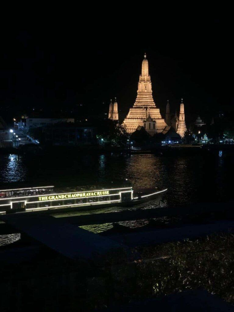 Los templos en Bangkok son una de las mejores atracciones turísticas