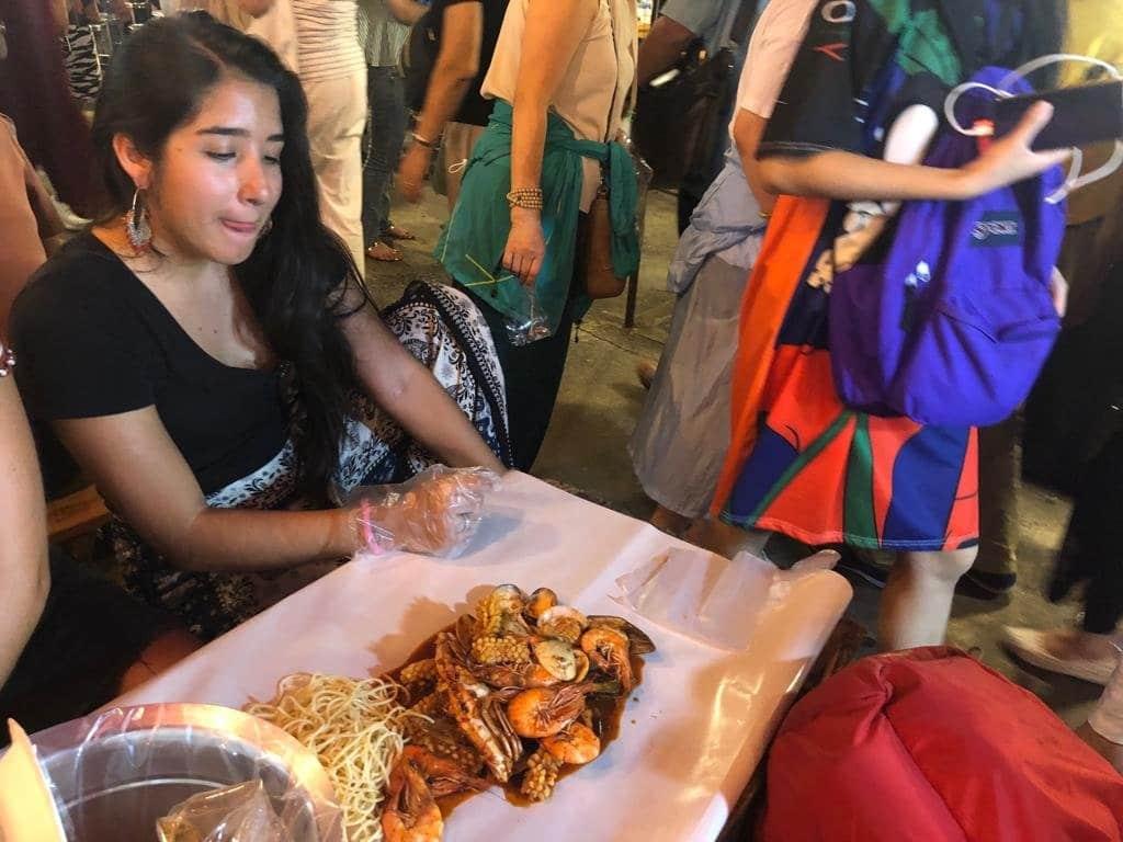 Comida callejera en Bangkok es una de las actividades turísticas en Tailandia