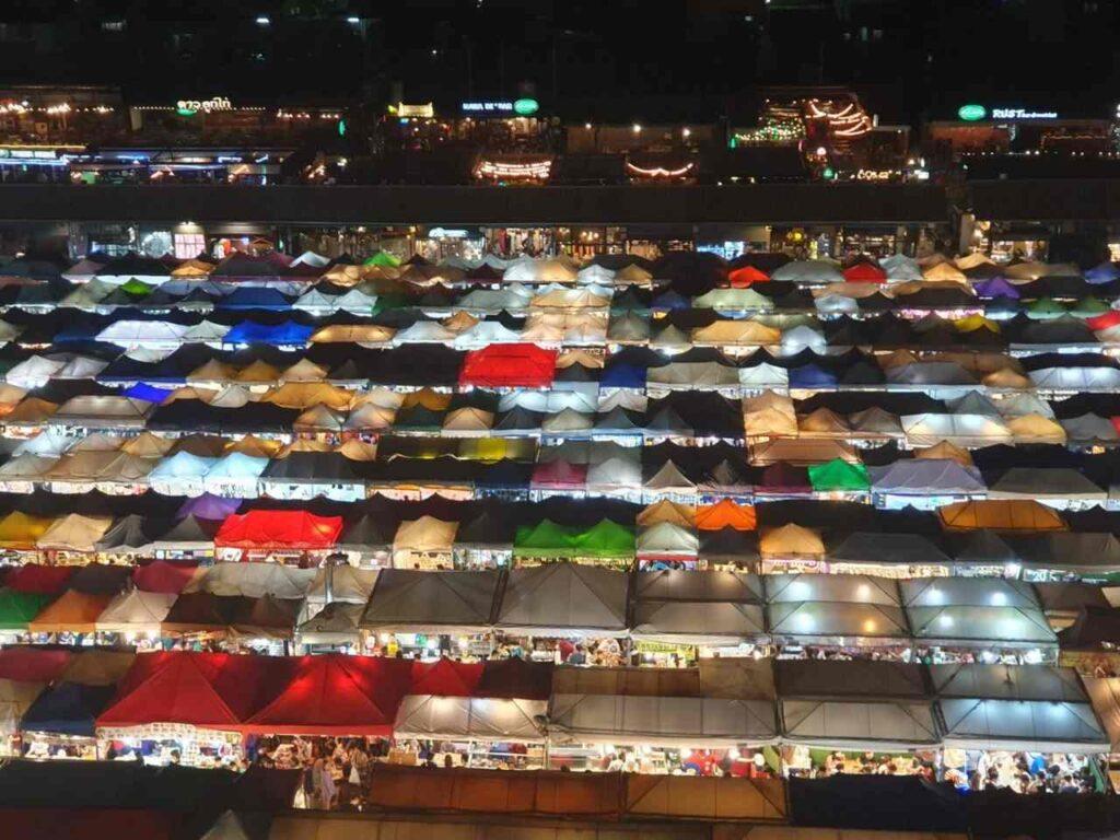 Mercados en Bangkok es una de las actividades turísticas en Tailandia